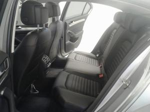 Volkswagen Passat 2.0 TSI R-LINE DSG - Image 9