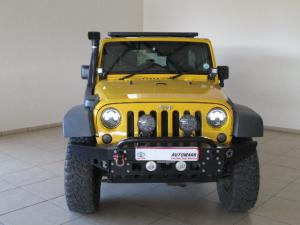 Jeep Wrangler Unlimited 3.8L Sahara - Image 2