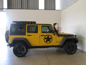 Jeep Wrangler Unlimited 3.8L Sahara - Image 4