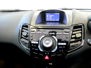 Ford Fiesta 1.0 Ecoboost Titanium 5-Door - Image 20
