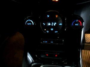 Ford Fiesta 1.0 Ecoboost Titanium 5-Door - Image 21