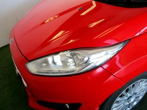 Ford Fiesta 1.0 Ecoboost Titanium 5-Door - Image 28