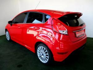 Ford Fiesta 1.0 Ecoboost Titanium 5-Door - Image 4