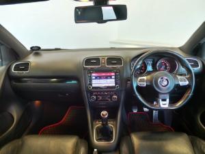 Volkswagen Golf GTI - Image 8