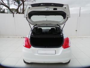 Suzuki Swift hatch 1.2 GL auto - Image 4