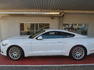 Ford Mustang 2.3T fastback auto - Image 4