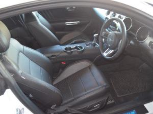 Ford Mustang 2.3T fastback auto - Image 5