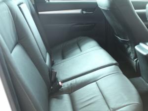 Toyota Hilux 2.8 GD-6 Raider 4X4D/C automatic - Image 13