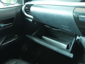Toyota Hilux 2.8 GD-6 Raider 4X4D/C automatic - Image 23