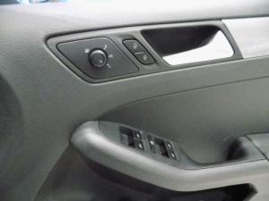 Volkswagen Jetta GP 1.6 Conceptline - Image 13