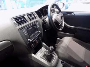 Volkswagen Jetta GP 1.6 Conceptline - Image 15