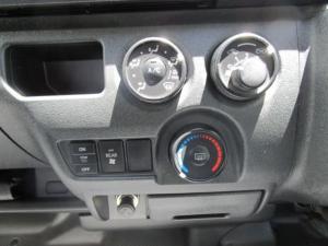 Toyota Quantum 2.5 D-4D 14 Seat - Image 14