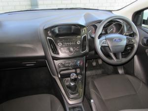 Ford Focus sedan 1.0T Ambiente - Image 7