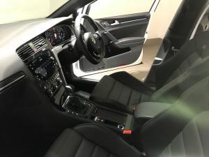 Volkswagen Golf VII 2.0 TSI R DSG - Image 20