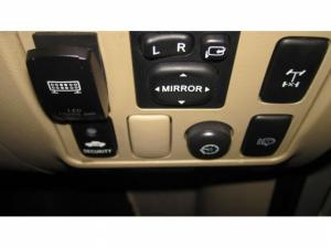 Toyota Fortuner 3.0D-4D 4X4 automatic - Image 11
