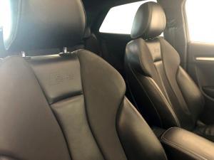 Audi S3 Stronic 3-Door - Image 18
