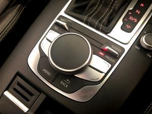 Audi S3 Stronic 3-Door - Image 21
