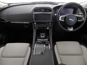 Jaguar F-Pace 25d AWD R-Sport - Image 7