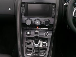 Jaguar F-Type R convertible - Image 11