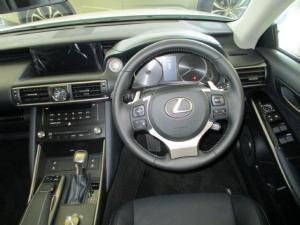 Lexus IS 200t EX - Image 3