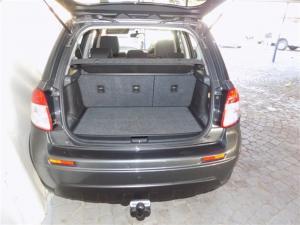 Suzuki SX4 2.0 - Image 9