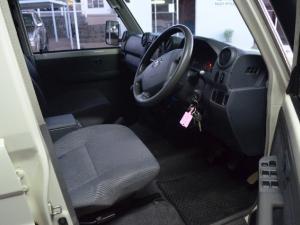 Toyota Land Cruiser 79 Land Cruiser 79 4.5D-4D LX V8 double cab - Image 7
