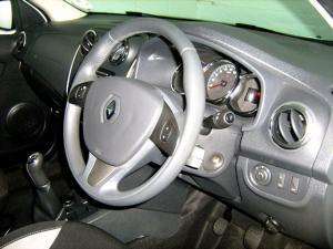 Renault Sandero 900T Stepway - Image 14