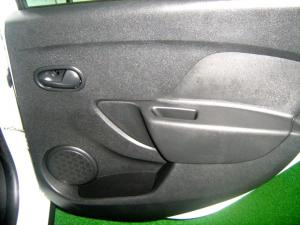 Renault Sandero 900T Stepway - Image 28