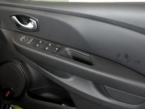 Renault Clio IV RS 18 F1 EDC - Image 7