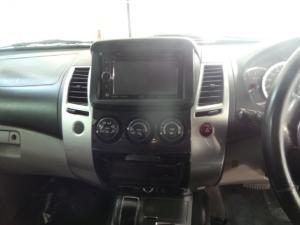 Mitsubishi Pajero 5-door 3.2DI-D GLS - Image 10