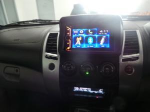 Mitsubishi Pajero 5-door 3.2DI-D GLS - Image 11