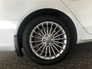 Audi A4 2.0 TDI SE Multitronic - Image 8