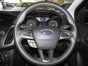Ford Focus 1.5 Ecoboost Trend 5-Door - Image 10