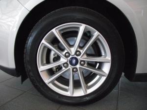 Ford Focus 1.5 Ecoboost Trend 5-Door - Image 9