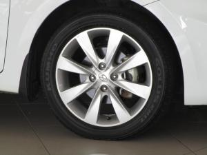 Hyundai Accent 1.6 Fluid 5-Door - Image 3