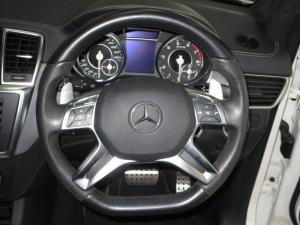 Mercedes-Benz ML 63 AMG - Image 11