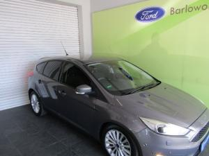 Ford Focus 1.5 Ecoboost Trend automatic 5-Door - Image 11