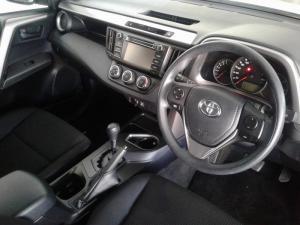 Toyota RAV4 2.0 GX automatic - Image 10