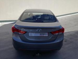 Hyundai Elantra 1.8 GLS/EXECUTIVE - Image 10