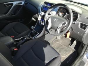 Hyundai Elantra 1.8 GLS/EXECUTIVE - Image 4