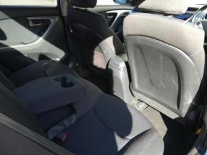 Hyundai Elantra 1.8 GLS/EXECUTIVE - Image 5