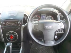 Isuzu KB 300D-Teq double cab LX auto - Image 9