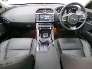 Jaguar XE 20d Prestige - Image 7