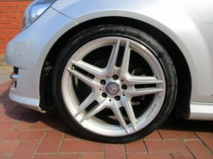 Mercedes-Benz C-Class sedan C250 BlueEfficiency Avantgarde - Image 9