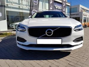 Volvo S90 D4 Momentum Geartronic - Image 2