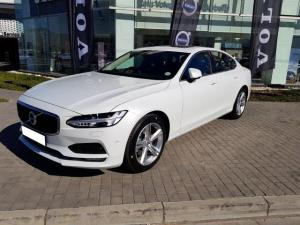 Volvo S90 D4 Momentum Geartronic - Image 3