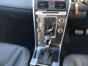 Volvo XC60 D4 R- Design Geartronic - Image 10