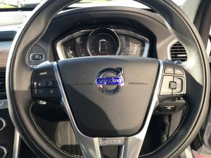 Volvo XC60 D4 R- Design Geartronic - Image 12