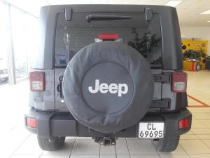 Jeep Wrangler 3.8 Unltd Rubicon automatic - Image 4
