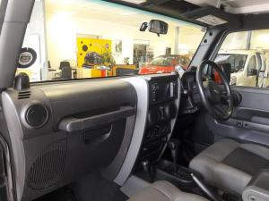 Jeep Wrangler 3.8 Unltd Rubicon automatic - Image 5